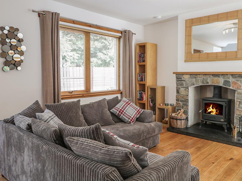 Dolce Casa Grantown-on-Spey holiday cottage living area open fire