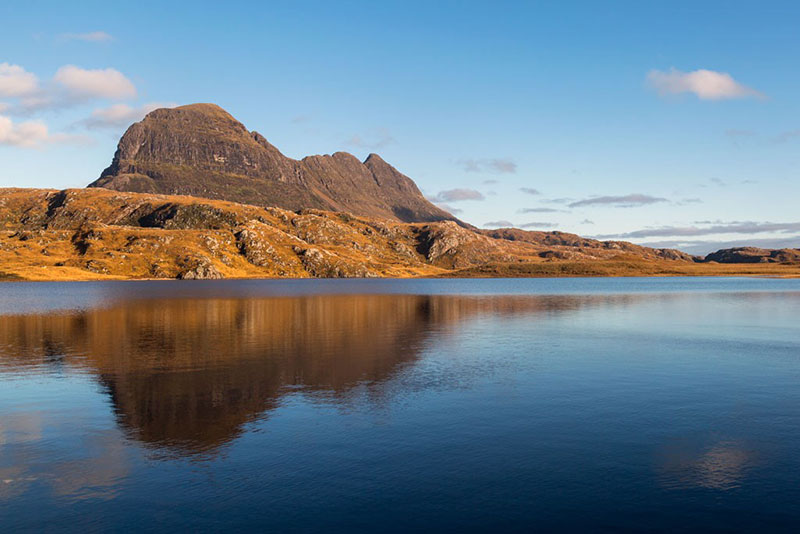 things to do in northern Scotland - View of Suilven across Fionn Loch