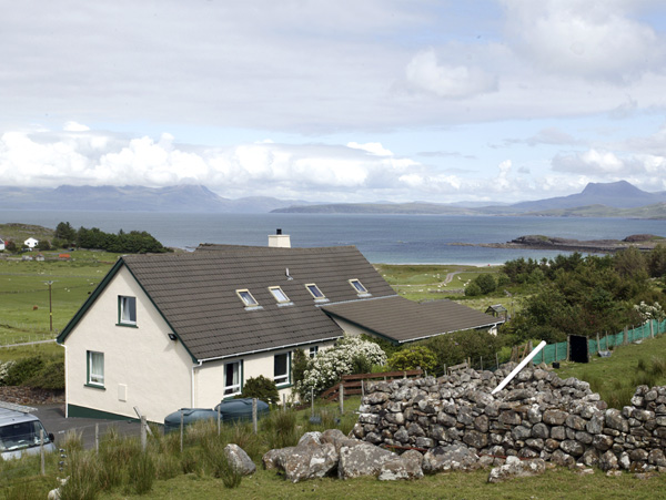 The Apartment Mellon Udrigle, Wester Ross - beach with mountains in distance