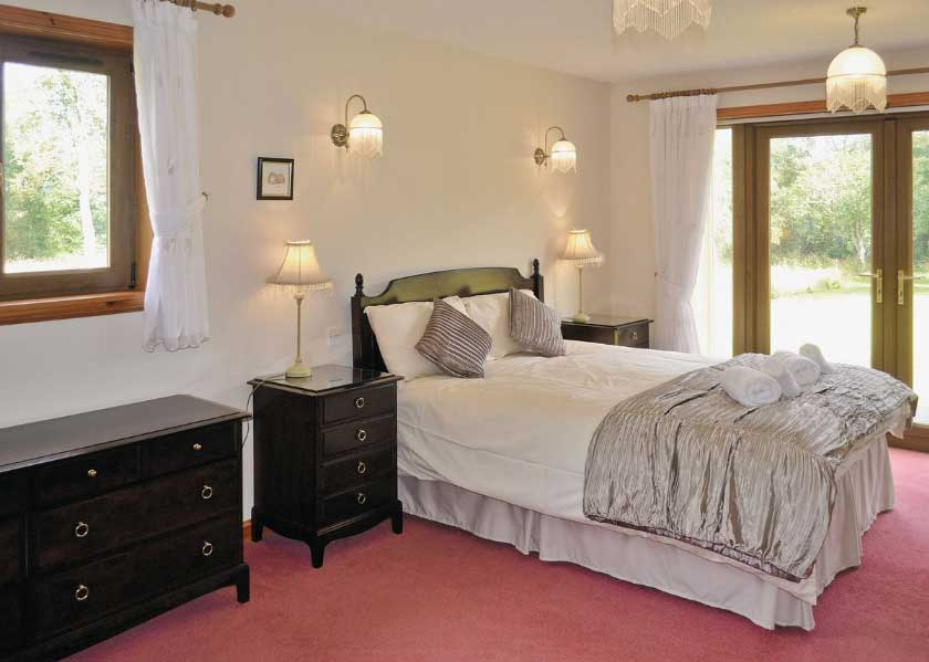 self-catering accommodation Sutherland Heatherwood House Dornoch bedroom