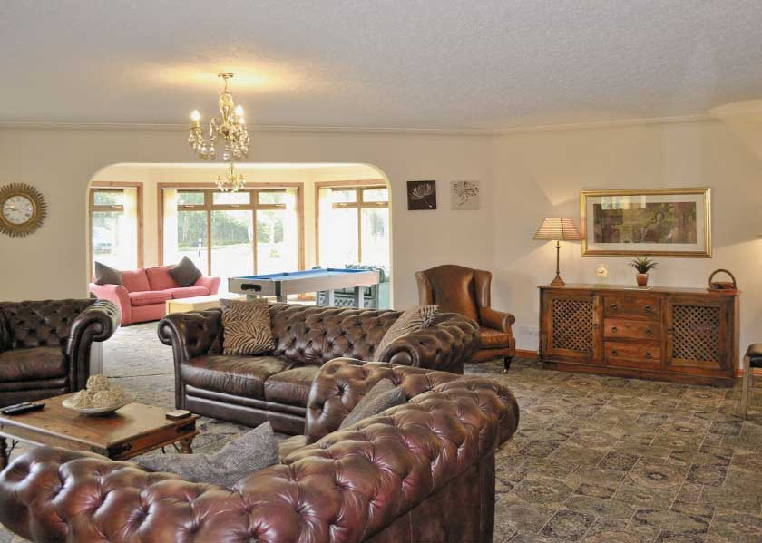self-catering accommodation Sutherland Heatherwood House Dornoch living room
